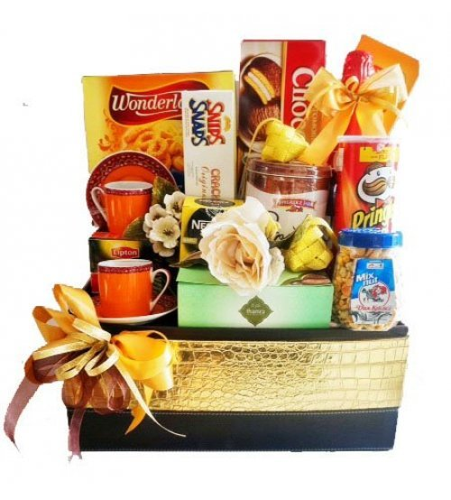 Eid Gourmet & Cups Hampers I