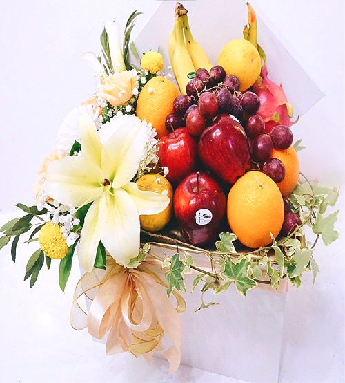 Fruit Flower Hampers 1