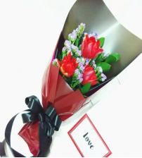 VAL Mini Tulip Bouquet